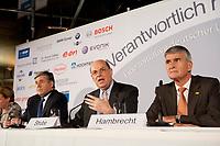 """25 NOV 2010, BERLIN/GERMANY:<br /> Dr. Josef Ackermann, Vorstandsvorsitzender Deutsche Bank AG, Dr. Juergen Strube, Aufsichtsratsvorsitzender BASF, Dr. Juergen Hambrecht, Vorstandsvorsitzender BASF SE, (v.R.n.L.), Pressegespraech """"Leitbild fuer verantwortliches Handeln in der Wirtschaft"""", Clubraum, Akademie der Kuenste<br /> IMAGE: 20101125-01-067<br /> KEYWORDS: Jürgen Hambrecht"""