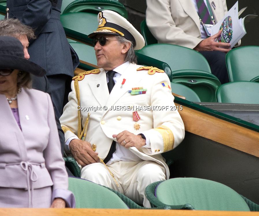 Wimbledon Feature,Ilie Nastase in einer Fantasieuniform sitzt als Zuschauer in der Royal Box, kurios,<br /> <br /> Tennis - Wimbledon 2015 - Grand Slam ITF / ATP / WTA -  AELTC - London -  - Great Britain  - 6 July 2015.