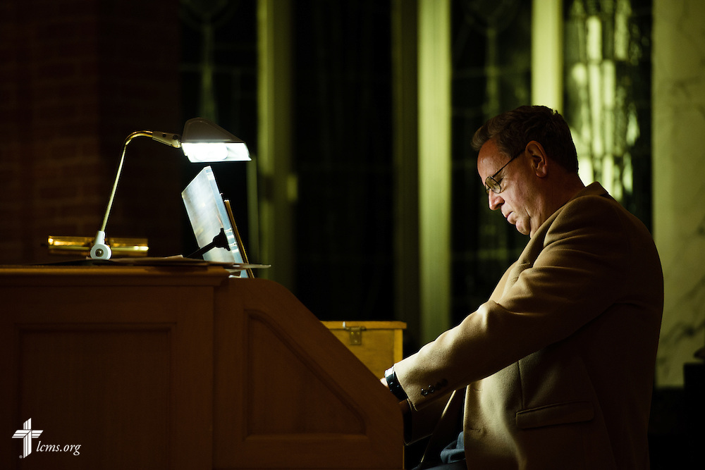 Bill Lubben performs on the piano at evening worship during the LCMS Specialized Pastoral Ministry Educational Event and Retreat at the Mercy Conference and Retreat Center on Wednesday, Oct. 29, 2014, in Frontenac, Mo. LCMS Communications/Erik M. Lunsford