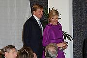 Maxima ontvangt Machiavelliprijs 2011.<br /> <br /> Prinses M&aacute;xima is onderscheiden voor haar wijze van communiceren. In perscentrum Nieuwspoort in Den Haag ontvangt zij de Machiavelliprijs 2011. Deze prijs gaat elk jaar naar iemand die uitblinkt op het gebied van publieke communicatie.<br /> <br /> Maxima receives Machiavelli Prize 2011.<br /> <br /> Princess Maxima is distinguished for its way of communicating. In Nieuwspoort press center in The Hague, she receives the Price Machiavelli 2011. This award goes annually to someone who excels in the field of public communication.<br /> <br /> Op de foto / On the photo:  Prinses Maxima komt aan met Prins Willem Alexander / Princes Maxima Arrives with Prince Willem Alexander
