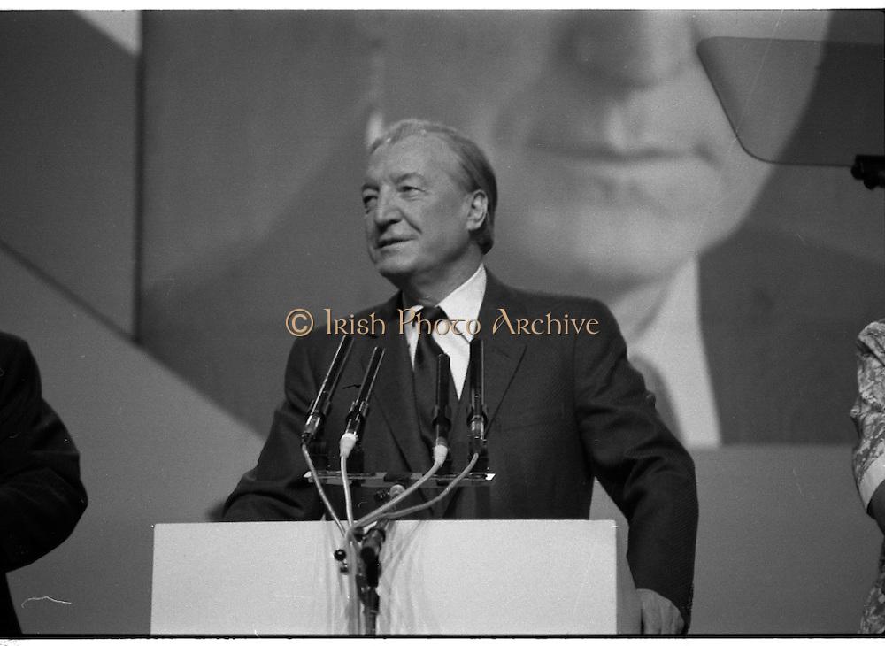 Fianna Fáil Ard Fheis.  (R97)..1989..25.02.1989..02.25.1989..25th February 1989..The Fianna Fáil Ard Fheis was held today at the RDS Main Hall, Ballsbridge, Dublin. An Taoiseach, Charles Haughey TD,gave the keynote speech of the event...An Taoiseach, Charles Haughey TD, prepares to deliver his keynote address to the assembled Fianna Fáil delegates at the Ard Fheis In the RDS, Dublin.