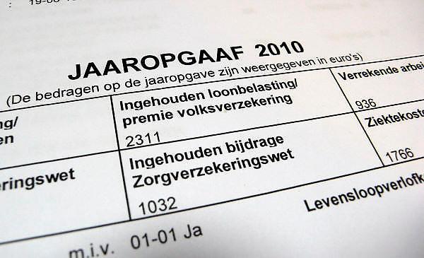 Nederland, Nijmegen, 13-12-2011Jaaropgaaf van een werknemer in loondienst ( partner fotograaf.).Foto: Flip Franssen/Hollandse Hoogte
