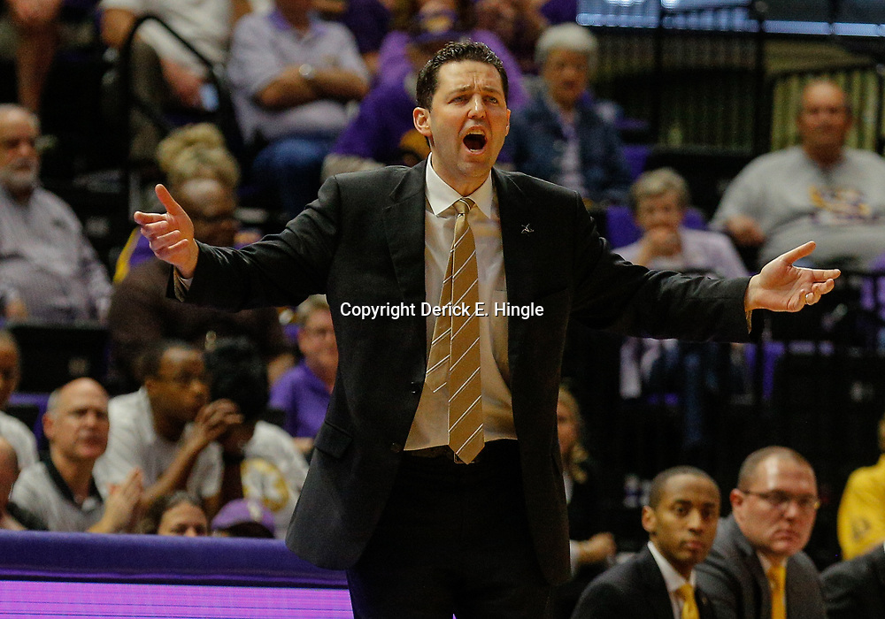Feb 20, 2018; Baton Rouge, LA, USA; Vanderbilt Commodores head coach Bryce Drew against the LSU Tigers during the second half at the Pete Maravich Assembly Center. LSU defeated Vanderbilt 88-78. Mandatory Credit: Derick E. Hingle-USA TODAY Sports