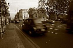 UK ENGLAND LONDON 23NOV11 - Street scene at Marble Arch, central London....jre/Photo by Jiri Rezac....© Jiri Rezac 2011
