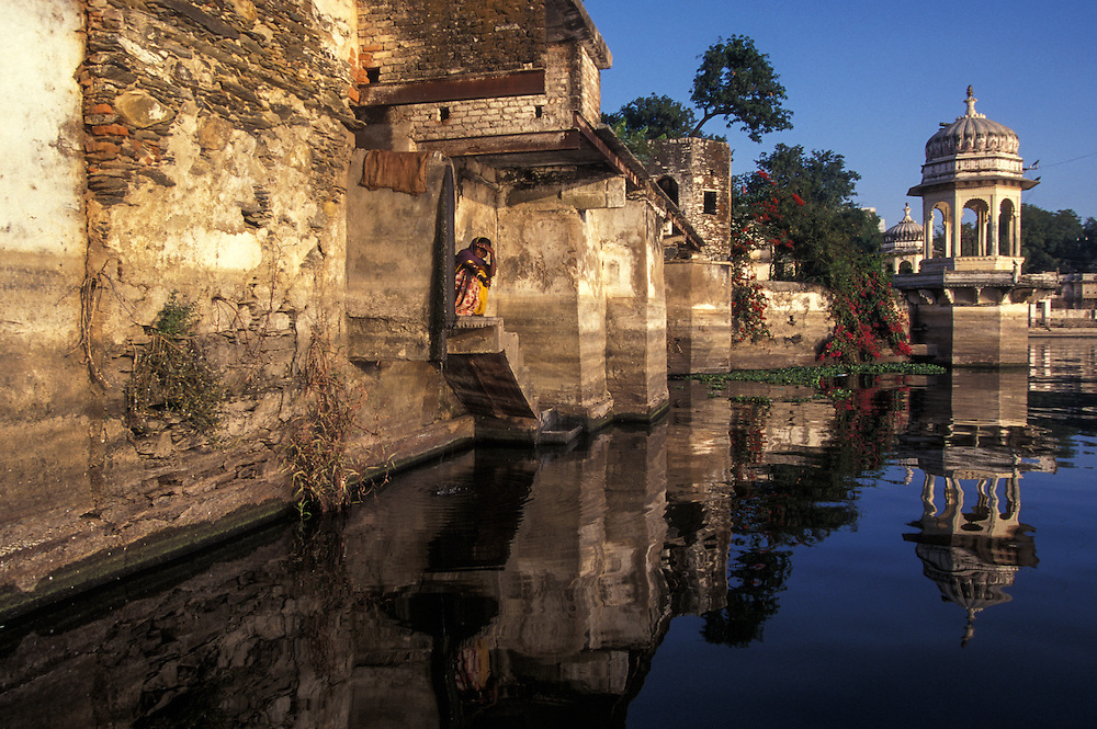 INDIA: Rajasthan<br /> Udaipur's Lake Pichola and Jag Niwas island