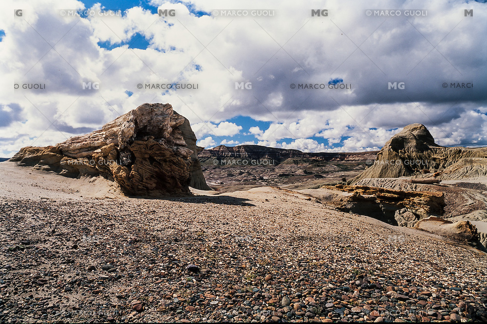 BOSQUE PETRIFICADO SARMIENTO,  PROVINCIA DEL CHUBUT, PATAGONIA, ARGENTINA (PHOTO BY © MARCO GUOLI - ALL RIGHTS RESERVED. CONTACT THE AUTHOR FOR ANY KIND OF IMAGE REPRODUCTION)