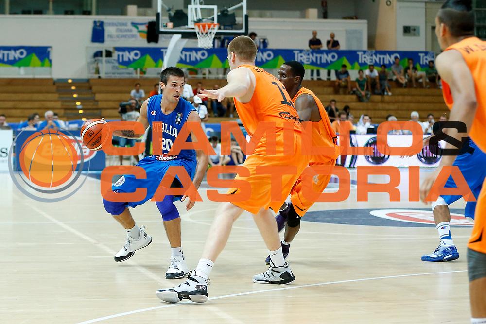DESCRIZIONE : Trento Nazionale Italia Uomini Trentino Basket Cup Italia Paesi Bassi Italy Netherlands <br /> GIOCATORE : Andrea Cinciarini<br /> CATEGORIA : Palleggio<br /> SQUADRA : Italia Italy<br /> EVENTO : Trentino Basket Cup<br /> GARA : Italia Paesi Bassi Italy Netherlands<br /> DATA : 30/07/2015<br /> SPORT : Pallacanestro<br /> AUTORE : Agenzia Ciamillo-Castoria/G.Contessa<br /> Galleria : FIP Nazionali 2015<br /> Fotonotizia : Trento Nazionale Italia Uomini Trentino Basket Cup Italia Paesi Bassi Italy Netherlands