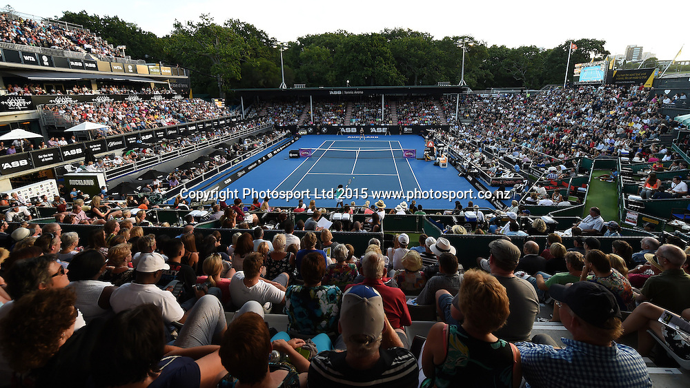 General view of centre court for the Venus Williams v Elena Vesnina Quarter Final match at the ASB Classic WTA International. ASB Tennis Centre, Auckland, New Zealand. Thursday 8 January 2015. Copyright photo: Andrew Cornaga/www.photosport.co.nz