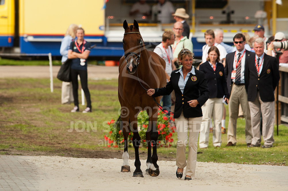 Mary King (GBR) & Imperial Cavalier - First Inspection - European Eventing Championships 2011 - Luhmühlen, Salzhausen, Germany - 24 August 2011