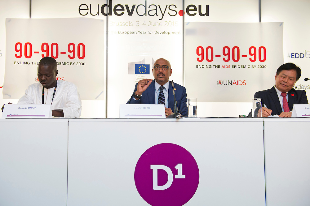 03 June 2015 - Belgium - Brussels - European Development Days - EDD - Health - 90-90-90 - An ambitious treatment target to help end the AIDS epidemic - Daouda Diouf<br /> Director, ENDA Sant&eacute; - Michel Sidib&eacute;<br /> Executive Director - Bounkong Syhavong<br /> Vice-Minister of Health, Lao People's Democratic Republic<br /> &copy; European Union