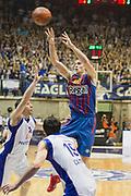 DESCRIZIONE : Desio Eurolega 2011-12 Bennet Cantu Barcelona FC Regal<br /> GIOCATORE : Xavier Rabaseda<br /> CATEGORIA : Passaggio<br /> SQUADRA : Barcelona FC Regal<br /> EVENTO : Eurolega 2011-2012<br /> GARA : Bennet Cantu Barcelona FC Regal<br /> DATA : 23/02/2012<br /> SPORT : Pallacanestro <br /> AUTORE : Agenzia Ciamillo-Castoria/G.Cottini<br /> Galleria : Eurolega 2011-2012<br /> Fotonotizia : Desio Eurolega 2011-12 Bennet Cantu Barcelona FC Regal<br /> Predefinita :