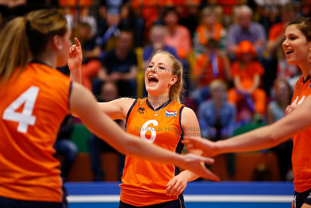 20140425 NED: Jong Oranje Vrouwen - Montenegro, Arnhem <br /> Marrit Jasper (6) The Netherlands<br /> &copy;2014-FotoHoogendoorn.nl / Pim Waslander
