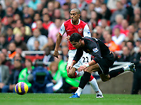 Photo: Tom Dulat/Sportsbeat Images.<br /> <br /> Arsenal v Manchester United. The FA Barclays Premiership. 03/11/2007.<br /> <br /> Gael Clichy of Arsenal and Cristiano Ronaldo of Manchester United with the ball.