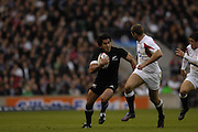 Twickenham. GREAT BRITAIN, Mils MULIAINA, during the, 2006 Investec Challenge, game between, England  and New Zealand [All Blacks], on Sun., 05/11/2006, played at the Twickenham Stadium, England. Photo, Peter Spurrier/Intersport-images].....   [Mandatory Credit, Peter Spurier/ Intersport Images].