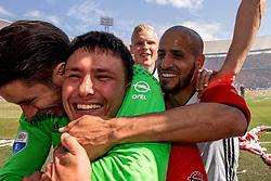 14-05-2017 NED: Kampioenswedstrijd Feyenoord - Heracles Almelo, Rotterdam<br /> In een uitverkochte Kuip pakt Feyenoord met een 3-0 overwinning het landskampioenschap / Lucas Woudenberg #15, Steven Berghuis #19, Brad Jones #25, Karim El Ahmadi #8