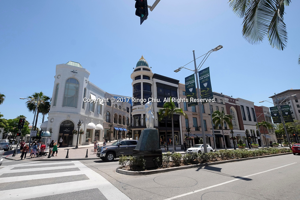 Wilshire and Rodeo in Beverly Hills.(Photo by Ringo Chiu)<br /> <br /> Usage Notes: This content is intended for editorial use only. For other uses, additional clearances may be required.