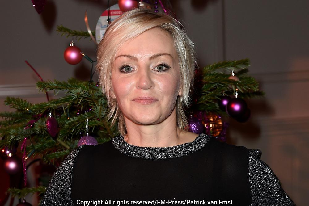 Sky Radio's jaarlijkse goede doelen-event Christmas Tree For Charity in Studio 22, Hilversum.<br /> <br /> Op de foto:  Lone van Roosendaal