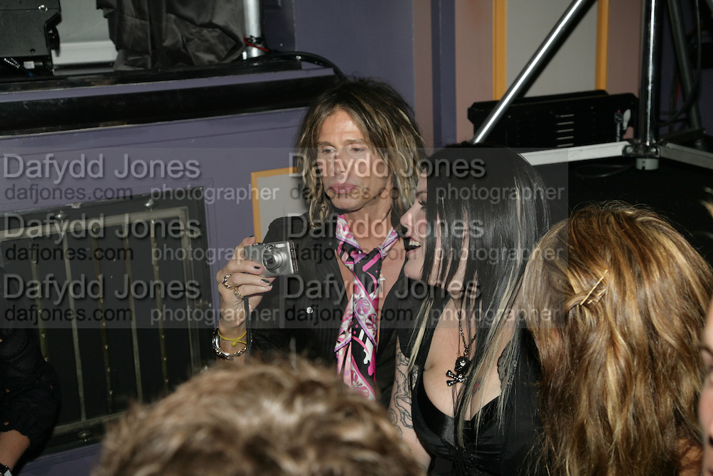 STEVE TYLER ( AEROSMITH ) AND HIS DAUGHTER MIA, Mac Viva Glam party to celebrate the M.A.C. Aids Fund. the Bloomsbury Ballroom. Victoria House. London. 27 June 2007.  -DO NOT ARCHIVE-© Copyright Photograph by Dafydd Jones. 248 Clapham Rd. London SW9 0PZ. Tel 0207 820 0771. www.dafjones.com.