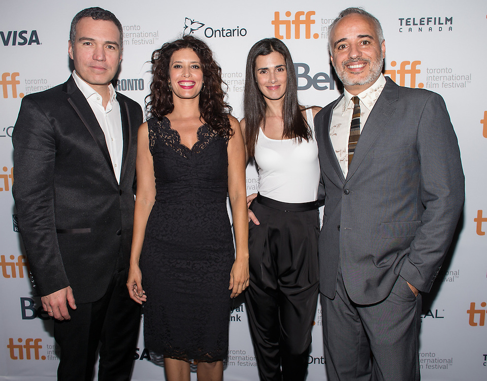 The Vanished Elephant stars Salvador del Solar, Angie Cepeda and Vanessa Saba and Director Javier Fuentes-Le&oacute;n pose for photos following the film's premier at the Toronto International Film Festival in Toronto, Ontario, September 6, 2014.<br /> AFP PHOTO/Geoff Robins