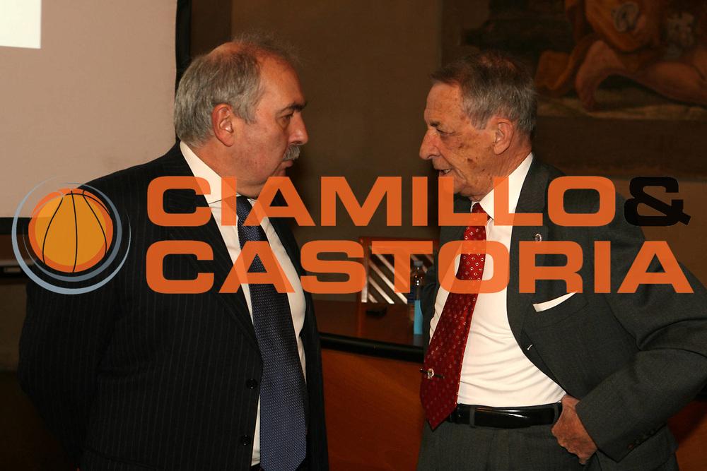 DESCRIZIONE : Bologna Palazzo Accursio Presentazione FIP Hall of Fame<br />GIOCATORE : Maifredi Vitale<br />SQUADRA : FIP Federazione Italiana Pallacanestro<br />EVENTO : Bologna Palazzo Accursio Presentazione FIP Hall of Fame<br />GARA : <br />DATA : 11/02/2007<br />CATEGORIA : Ritratto<br />SPORT : Pallacanestro <br />AUTORE : Agenzia Ciamillo-Castoria/G.Ciamillo