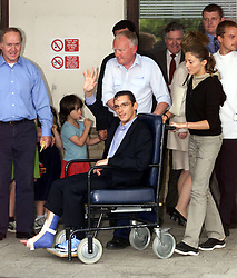 Addenbrookes Hospital, Cambridge. Photocall for Frankie Dettori after his plane crash last thursday 31/5/00. Frankie left the hospital today, June 5, 2000. Photo by Andrew Parsons / i-images..