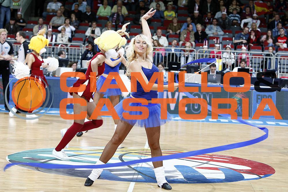 DESCRIZIONE : Riga Latvia Lettonia Eurobasket Women 2009 Qualifying Round Spagna Polonia Spain Poland<br /> GIOCATORE : cheerleaders<br /> SQUADRA : <br /> EVENTO : Eurobasket Women 2009 Campionati Europei Donne 2009 <br /> GARA : Spagna Polonia Spain Poland<br /> DATA : 13/06/2009 <br /> CATEGORIA : palleggio<br /> SPORT : Pallacanestro <br /> AUTORE : Agenzia Ciamillo-Castoria/E.Castoria<br /> Galleria : Eurobasket Women 2009 <br /> Fotonotizia : Riga Latvia Lettonia Eurobasket Women 2009 Qualifying Round Spagna Polonia Spain Poland<br /> Predefinita :