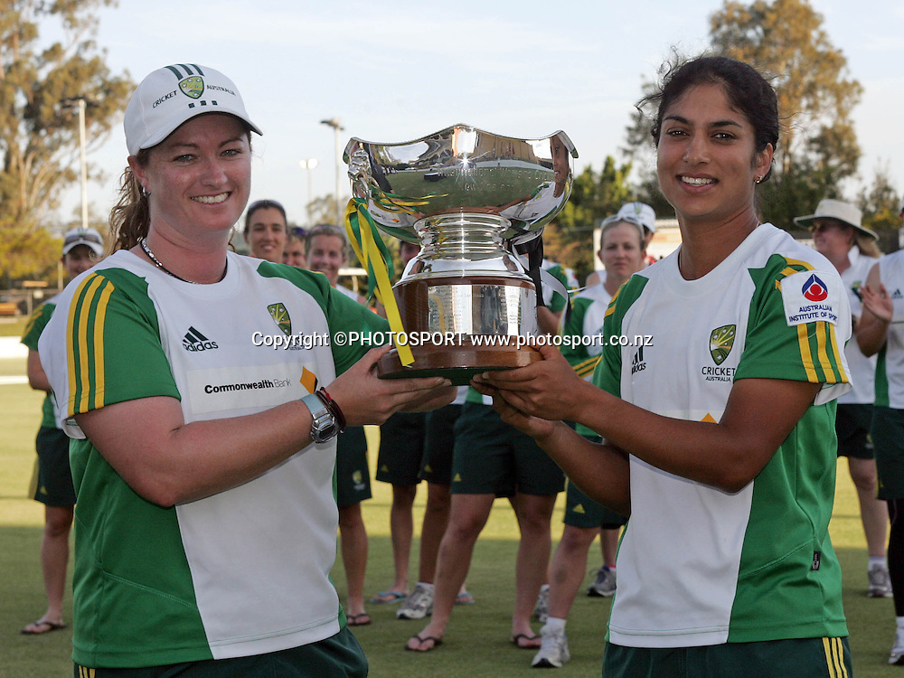 Australian captains Karen Roulton and Lisa Sthalekar with the Rose Bowl trophy after the fifth ODI Rose Bowl cricket match between the White Ferns and Australia at Allan Border Field, Brisbane, Australia, on Saturday 28 October 2006. Australia won the match by 4 wickets. Photo: Renee McKay/PHOTOSPORT<br />