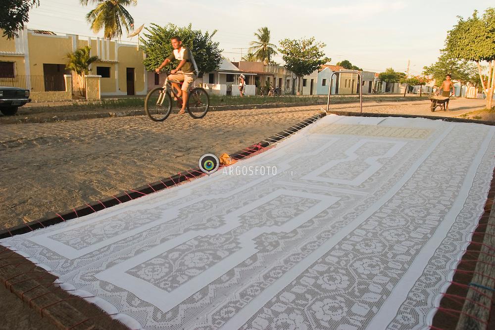 Joao Pessoa, Paraiba, Brasil..Artesanato, toalha de bordado labirinto./ Labyrinth embroidering table towel..Foto © Adri Felden/Argosfoto