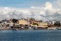 Cantiere navale visto dal mare.