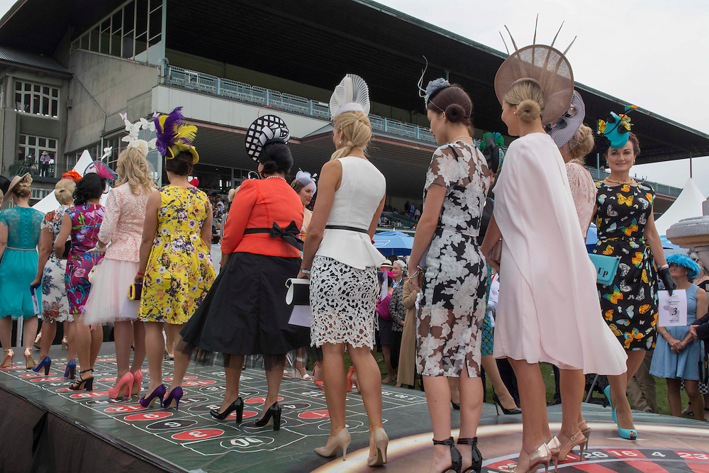 Contenders in the Fashion in the Field contest, Riccarton Racecourse, Christchurch, New Zealand, Saturday, 14 November, 2015.  <br /> Credit:SNPA / David Alexander