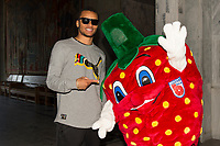 Friidrett<br /> 08.06.16<br /> Jordbærparty / Strawberry Party <br /> ExxonMobil Bislett Games <br /> IAAF Diamond League <br /> Andre De Grasse , CAN og Berry<br /> Foto: Astrid M. Nordhaug/Digitalsport