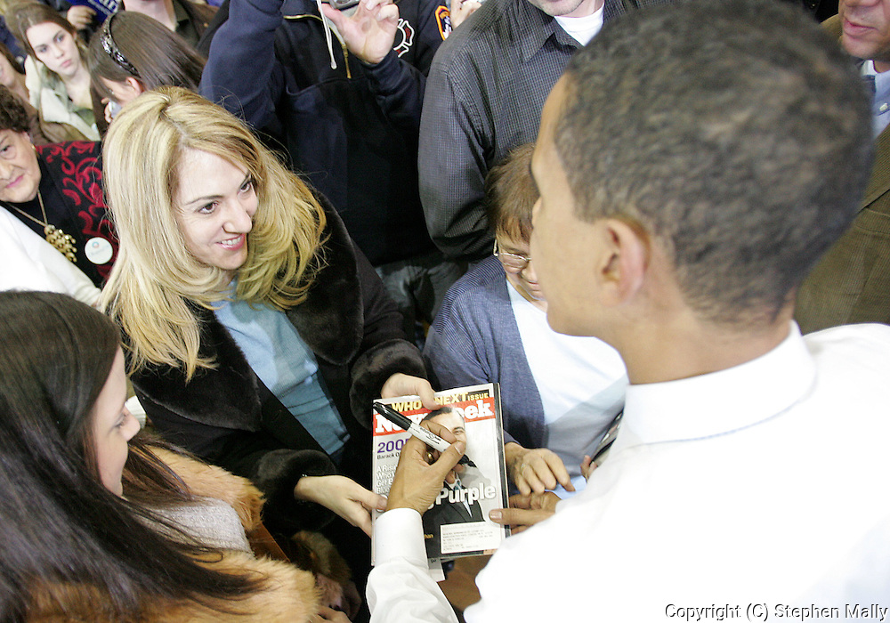 10 February 2007: A supporter of Democratic presidential hopeful Senator Barack Obama (D-IL) asks for an autograph after a town hall meeting at Kennedy High School in Cedar Rapids, Iowa on February 10, 2007.