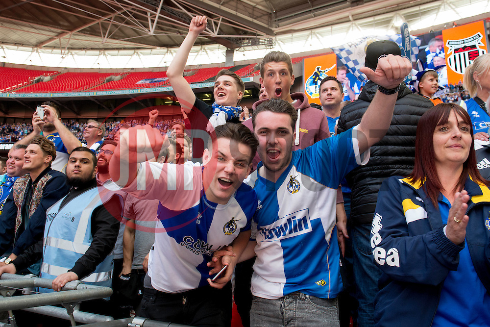 Bristol Rovers fans celebrate  - Photo mandatory by-line: Dougie Allward/JMP - Mobile: 07966 386802 - 17/05/2015 - SPORT - football - London - Wembley Stadium - Bristol Rovers v Grimsby Town - Vanarama Conference Football