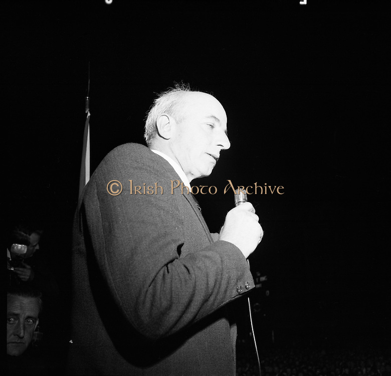 Joe Cahill IRA meeting GPO.<br /> 1971.<br /> 10.09.1971.<br /> 09.10.1971.<br /> 10th September 1971.<br /> Image shows mr Joe Cahill, leader of the IRA Provisionals in Belfast,speaking at a Sinn Fein Rally at the General Post Office (GPO),O'Connell Street,Dublin.