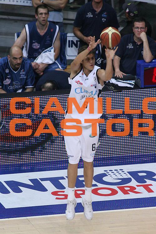 DESCRIZIONE : Bologna Lega A1 2005-06 Play Off Semifinale Gara 5 Climamio Fortitudo Bologna Carpisa Napoli <br />GIOCATORE : MancinelliSequenza 134<br />SQUADRA : Climamio Fortitudo Bologna Carpisa Napoli<br />EVENTO : Campionato Lega A1 2005-2006 Play Off Semifinale Gara 5 <br />GARA : Climamio Fortitudo Bologna Carpisa Napoli <br />DATA : 11/06/2006 <br />CATEGORIA : Tiro <br />SPORT : Pallacanestro <br />AUTORE : Agenzia Ciamillo-Castoria/G.Ciamillo