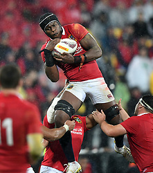 Maro Itoje of the Lions takes line out ball against New Zealand in the second International rugby test match between the the New Zealand All Blacks and British and Irish Lions at Westpac Stadium, Wellington, New Zealand, Saturday, July 01, 2017. Credit:SNPA / Ross Setford  **NO ARCHIVING""