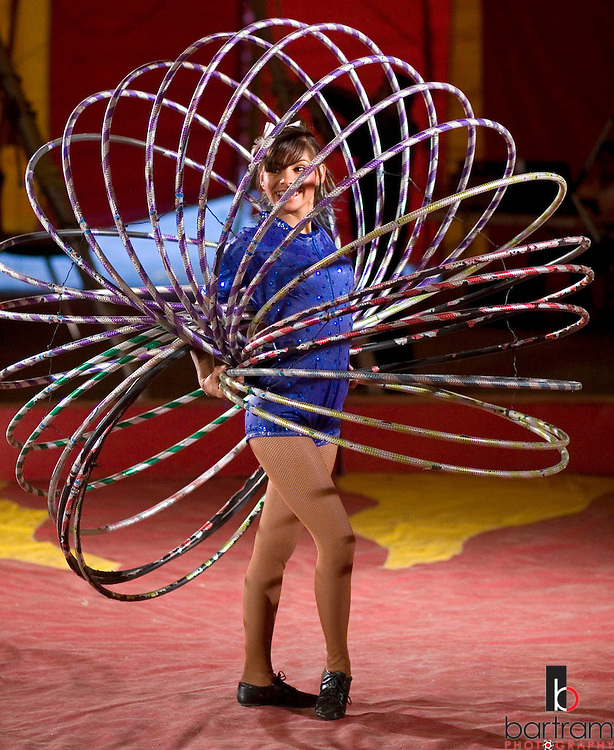 Karina Perez performs with 20 hoops during the American Crown Circus/Circo Osorio on Saturday, June 14, 2008 in downtown Antioch. The Las Vegas-based circus stopped in Antioch for four days before heading on to stops in Northern California, Oregon and Washington.  (Kevin Bartram/For The Press)