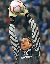 20.11.2010, Veltins Arena, Gelsenkirchen, GER, 1.FBL, FC Schalke 04 vs Werder Bremen, im Bild Torwart Tim Wiese (Werder Bremen GER #1) fängt den Ball, EXPA Pictures © 2010, PhotoCredit: EXPA/ nph/  Scholz****** out ouf GER ******