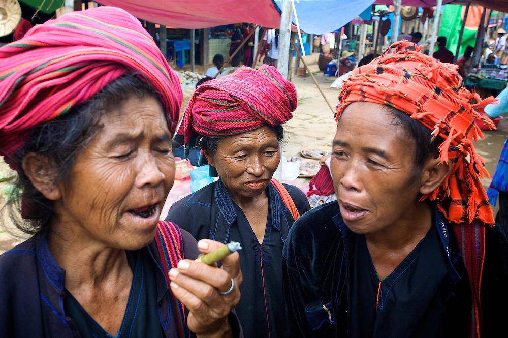 Pa O women, Inle Lake, Myanmar