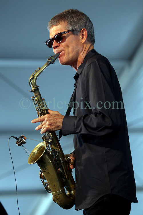 05 May 2012. New Orleans, Louisiana,  USA. .New Orleans Jazz and Heritage Festival. .Saxophonist David Sanborn..Photo; Charlie Varley.