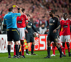 01.04.2010, Estadio da Luz, Lissabon, POR, UEFA Europa League, SL Benfica vs Liverpool FC, im Bild Referee Jonas Eriksson shows SL Benfica's Luisao the SECOND yellow card after a clash with Liverpool's Ryan Babel, who was later sent off, during the UEFA Europa League Quarter-Final 1st Leg match at the Estadio da Luz. EXPA Pictures © 2010, PhotoCredit: EXPA/ Propaganda/ D. Rawcliffe / SPORTIDA PHOTO AGENCY