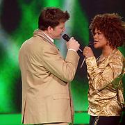 NLD/Weesp/20070312 - 2e Live uitzending Just the Two of Us 2007, optreden van Beau van Erven Dorens en Ruth Jacott