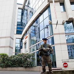 Patrouilles en Ile de France de militaires du 13&egrave;me bataillon de Chasseurs Alpins dans le cadre de l'Op&eacute;ration Sentinelle pour faire face &agrave; la menace terroriste sur le territoire fran&ccedil;ais.<br /> Avril 2016 / Boulogne (92) / FRANCE<br /> Voir le reportage complet (94 photos) http://sandrachenugodefroy.photoshelter.com/gallery/2016-04-Patrouille-Sentinelle-Complet/G00005CEzFVsQK3o/C0000yuz5WpdBLSQ