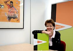 22-04-2006 VOLLEYBAL: NEVOBO CLUBKOERS: NIEUWEGEIN<br /> Erna Mannen zette ClubKoers voor de NeVoBo op. ClubKoers levert kennis en advies op het gebied van marketing, sponsoring en fondsenwerving. <br /> ©2006-WWW.FOTOHOOGENDOORN.NL
