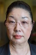 """Eiko Teranishi, ledare för en organisation som hjälper anhöriga som är drabbade av """"karoshi"""" (arbetat sig själva till döds), Tokyo, Japan"""
