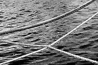 Cime di barca da pesca nel porto di Gallipoli