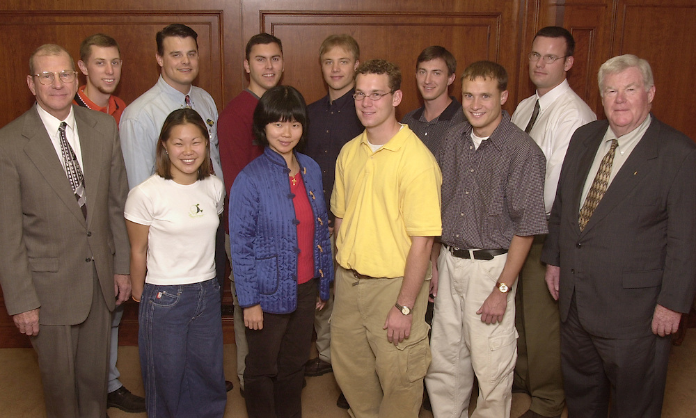 14423Dick Robe Leadership Institute Group phot