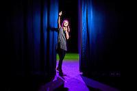 Den Haag, 18 november 2016 - Portret Hanna van de Ven, Theaterproducente culturele sector in het Theater De Regentes in Den Haag.<br /> Foto: Phil Nijhuis