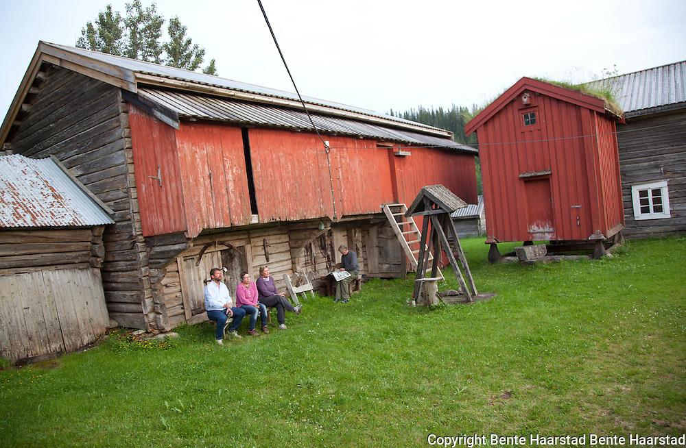 Gamle Rolset gård i Selbu var base for makrofotokurset. Gården er eid av bygdemuseet. Kurs i makrofoto, juli 2011.