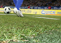 FUSSBALL     1. BUNDESLIGA     SAISON 2007/2008   24. SPIELTAG FC Schalke 04 - MSV Duisburg                                      14.03.2008 Symbolbild: Fussball